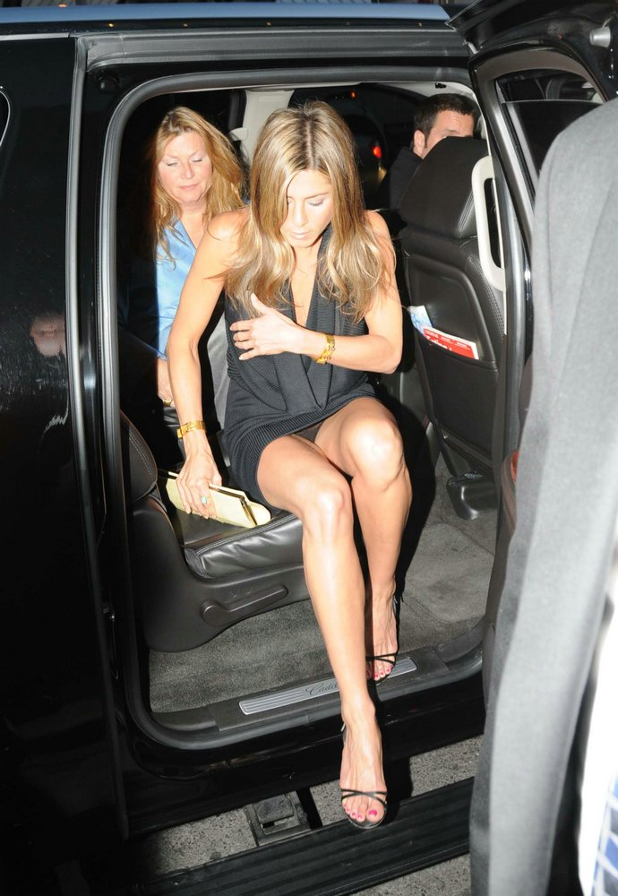 jennifer aniston pussy Bettie Page Naked Pictures, Nude Photos, Nip Slip Scandals, Upskirts, ...